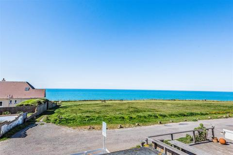 3 bedroom detached bungalow for sale - The Esplanade, Telscombe Cliffs, Peacehaven