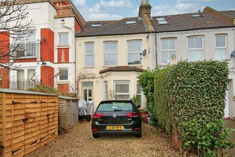 4 bedroom flat to rent - Merton Road, London