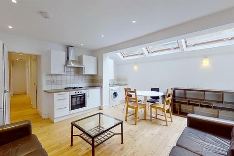 3 bedroom flat to rent - Merton Road Southfields London
