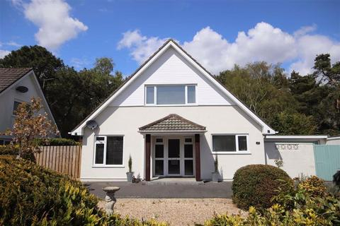 4 bedroom detached bungalow for sale - Hazel Drive, Ferndown, Dorset