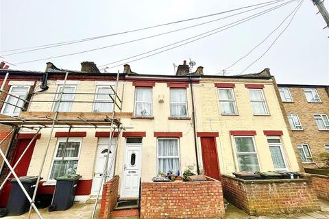 2 bedroom terraced house for sale - Ash Road, Luton