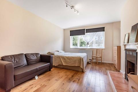 3 bedroom flat for sale - Bulow Court, Fulham, London, SW6