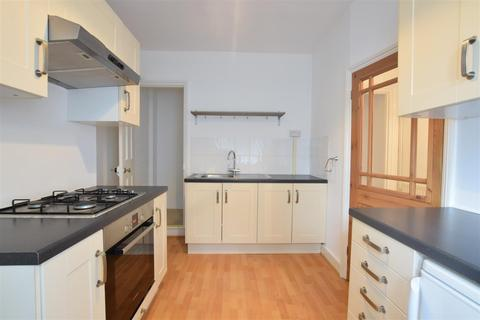 2 bedroom house to rent - Station Way, Cheam, Sutton