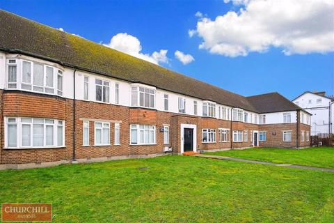 3 bedroom flat to rent - Selhurst New Court, South Norwood, London