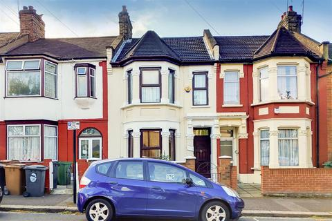 3 bedroom terraced house for sale - Chesterfield Road, London