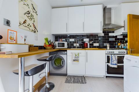 1 bedroom flat to rent - Chatsworth Road , Brighton BN1