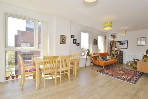 3 bedroom flat for sale - George Peabody Street , Plaistow, London, E13 9DG
