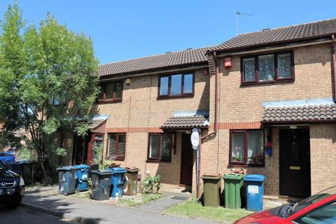 2 bedroom terraced house to rent - Abbots Drive, Harrow, Middlesex