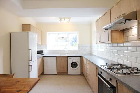 5 bedroom terraced house to rent - Ewhurst Road, Brighton BN2