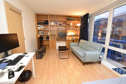 2 bedroom flat to rent - Rotherhithe Street, Canada Water, London, SE16