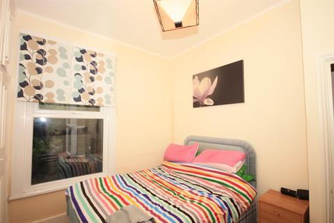 1 bedroom flat to rent - Millais Road, Leyton E11