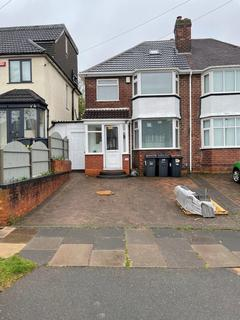 3 bedroom semi-detached house to rent - Foden Road , Great Barr,, Birmingham B42