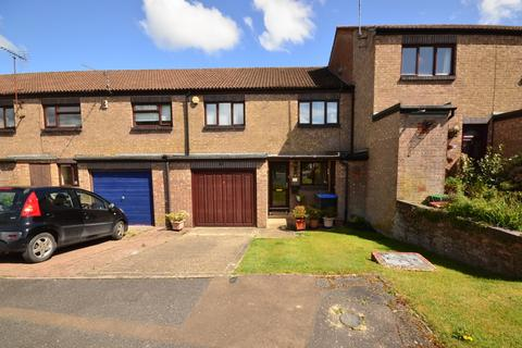 4 bedroom terraced house to rent - Chestnut Close Burgess Hill RH15