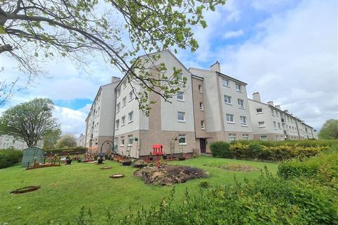 3 bedroom apartment to rent - Raithburn Avenue, Castlemilk, Glasgow