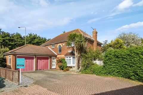 4 bedroom detached house for sale - Churchfields, Shoeburyness, Essex, SS3