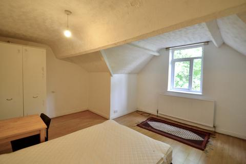 7 bedroom house share to rent - Blair Road, Manchester, M16 8NS