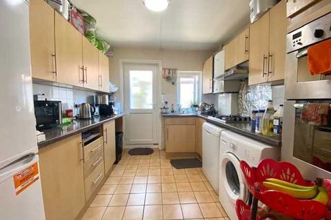 3 bedroom apartment to rent - Brighton Road, Lancing