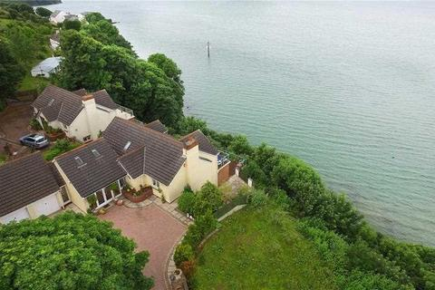 5 bedroom detached house for sale - St. Patricks Hill, Llanreath, Pembroke Dock, Pembrokeshire. SA72 6XQ
