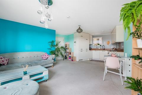 2 bedroom flat for sale - Robinia House, 10 Blondin Way, London