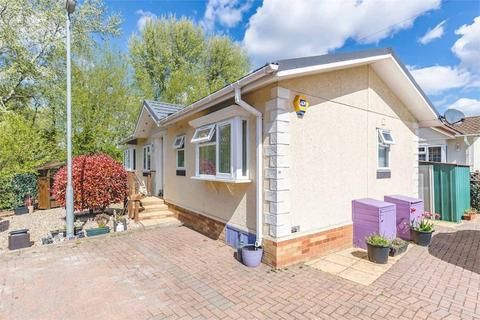 2 bedroom park home for sale - Mayfield Park, Thorney Mill Road, West Drayton, Middlesex