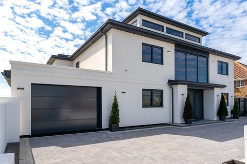 5 bedroom detached house for sale - Coastal Road, East Preston, Littlehampton, BN16