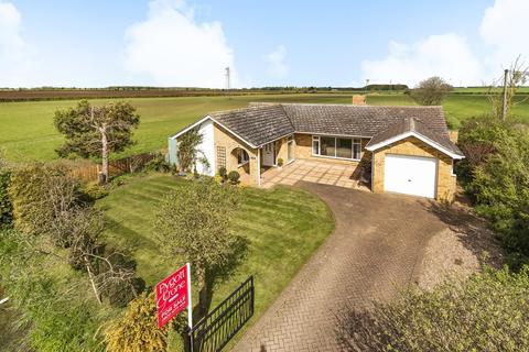 3 bedroom detached bungalow for sale - Moor Lane, Dorrington, LN4