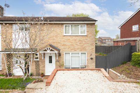 2 bedroom end of terrace house for sale - Sandy Vale, Haywards Heath