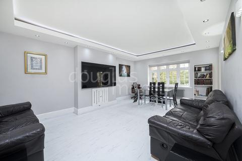 3 bedroom apartment for sale - Brentwood Lodge, Holmdale Gardens, London NW4