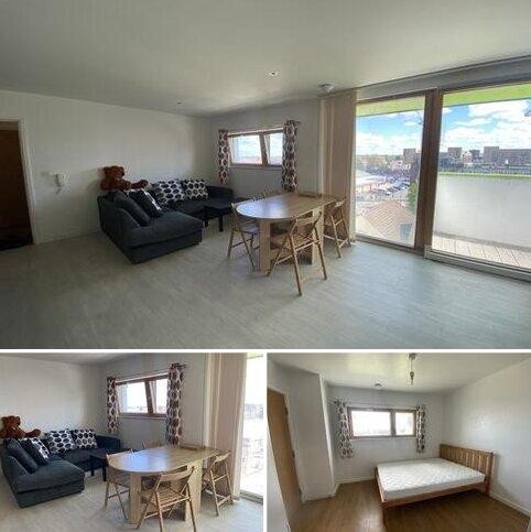 2 bedroom apartment to rent - Arboretum Place, Barking IG11