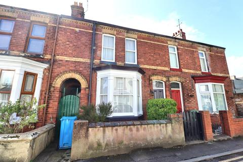 3 bedroom terraced house for sale - Blenheim Road, Bridlington