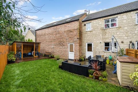 2 bedroom semi-detached house to rent - The Bramblings, Bicester