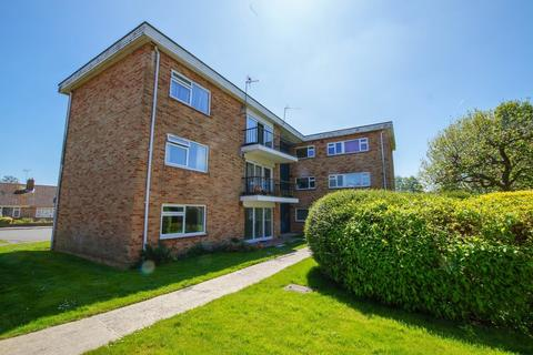2 bedroom ground floor flat to rent - Hawthorn Close, Chichester