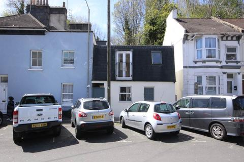 2 bedroom house to rent - Argyle Road, Brighton, East Sussex