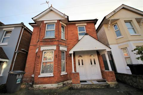 2 bedroom flat to rent - Acland Road, Charminster, Bournemouth