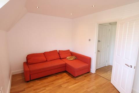 1 bedroom flat to rent - School Way, London