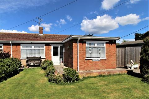 2 bedroom semi-detached bungalow for sale - Nelson Avenue, Minster On Sea, Sheerness