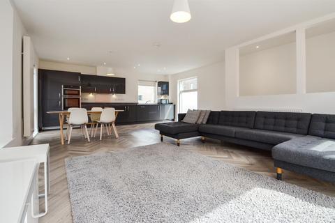 2 bedroom mews to rent - Dockside Mews, Trent Basin