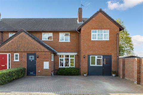 4 bedroom semi-detached house for sale - Docklands, Hitchin, Hertfordshire