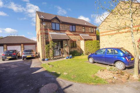 3 bedroom semi-detached house for sale - Three Cornered Close, Cubbington, Leamington Spa