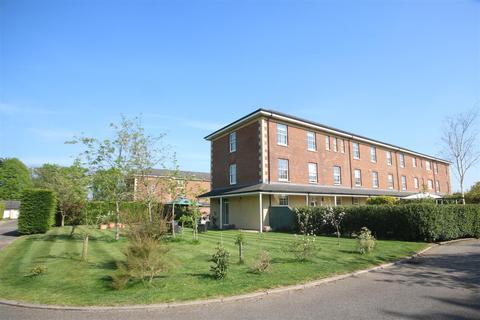 4 bedroom end of terrace house for sale - Throgmorton Hall, Salisbury