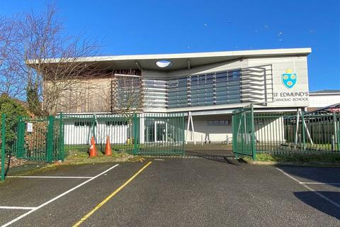 Office to rent - Barton Road, Dover, Kent