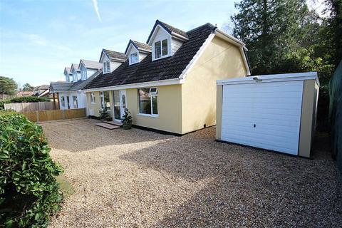 5 bedroom detached bungalow for sale - Beaufoys Avenue, Ferndown, Dorset