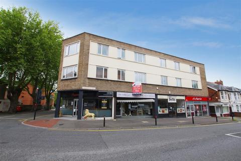 2 bedroom flat to rent - Clarence St, Town Centre