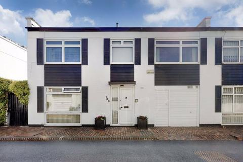 3 bedroom semi-detached house for sale - Hawtrey Road, London, NW3