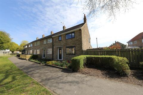 3 bedroom house for sale - Ormesby Walk, Hull