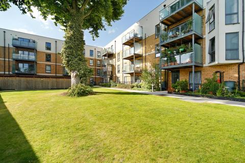 3 bedroom apartment to rent - Greenwich High Road London SE10