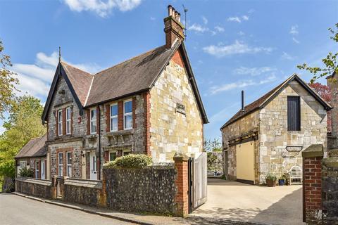 3 bedroom detached house for sale - 3/4 beds, Vendor suited, Bury West Sussex, RH20