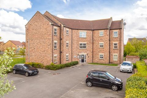 1 bedroom flat for sale - Honeysuckle House, Larch Road, Selby, YO8