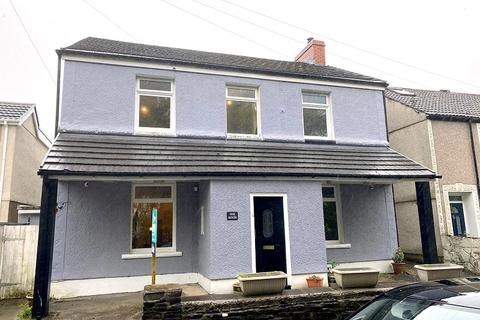 4 bedroom detached house for sale - Henfaes Road, Tonna, Neath, Neath Port Talbot. SA11 3EZ