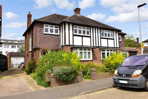 3 bedroom semi-detached house for sale - Glen Crescent, Woodford Green, Essex